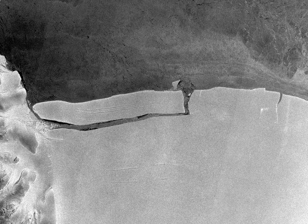 Rhode Island-sized A-76 iceberg adrift in Weddell Sea